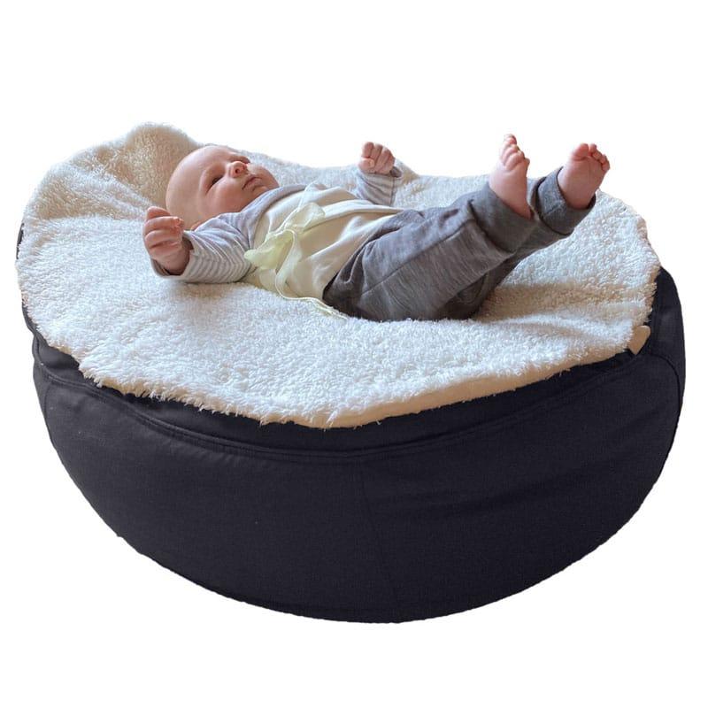 Frühchen Säuglinge mit Pukband Gurt am Baby Sitzsack anschnallen und lagern