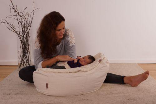 Baby Sitzkissen & Liegesack beugt gegen Kopfverformung vor