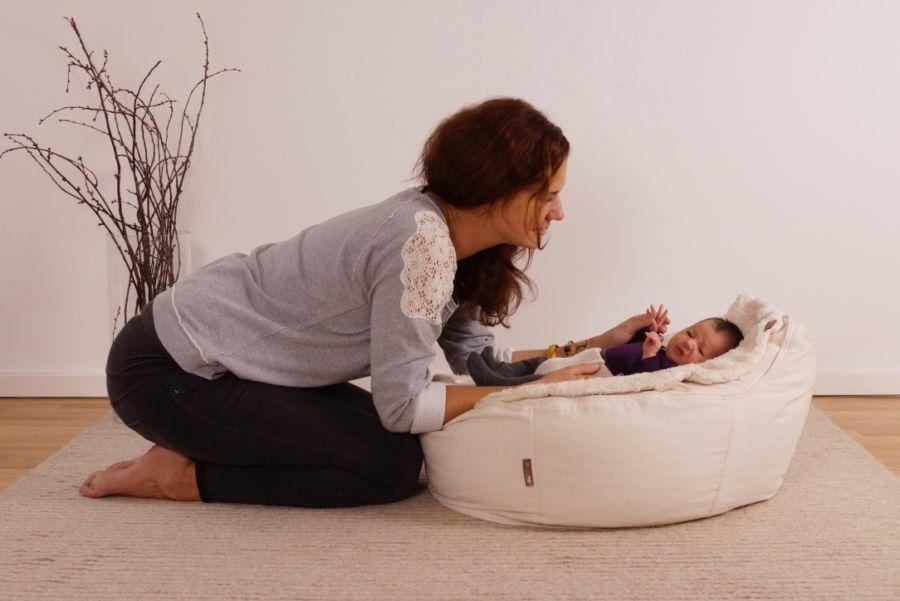 multifunktionales Baby Liegekissen gut für Wirbelsäule und gegen Kopfverformung